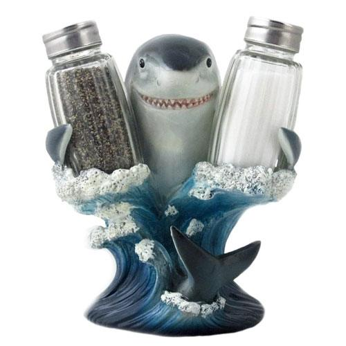 shark salt & pepper shaker set