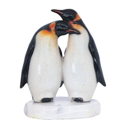 penguin couple figurine