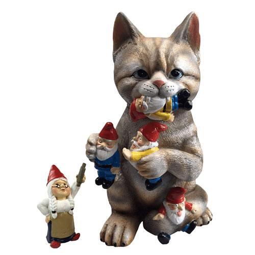 cat garden figurine