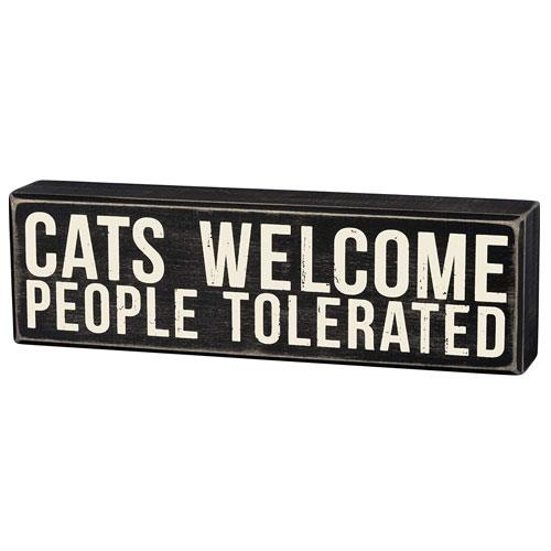 cat welcome box sign
